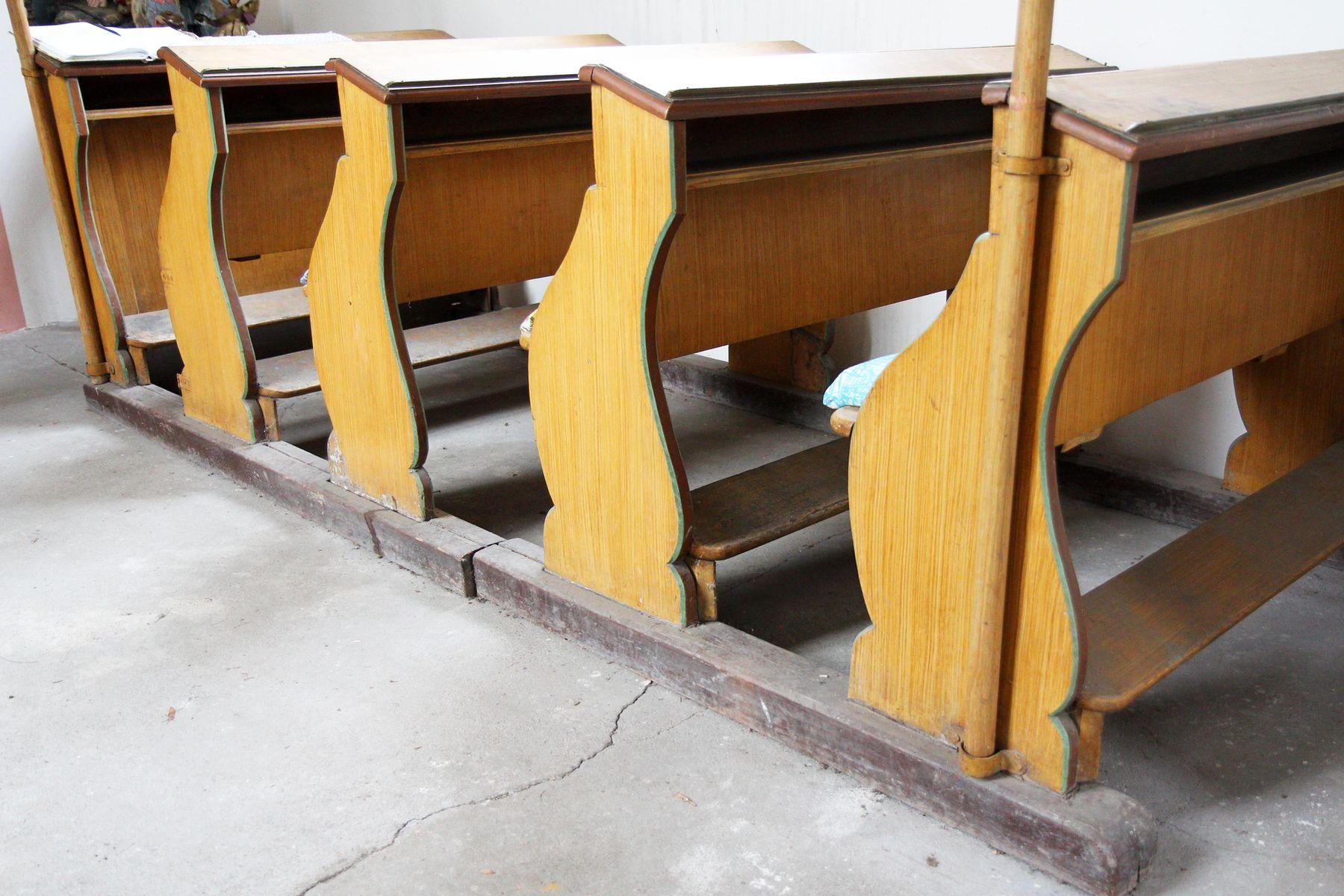 Restaurovali jsme kostelní lavice v kostele sv. Prokopa v Otvovicích - Restaurování kostelní lavice před restaurováním 03