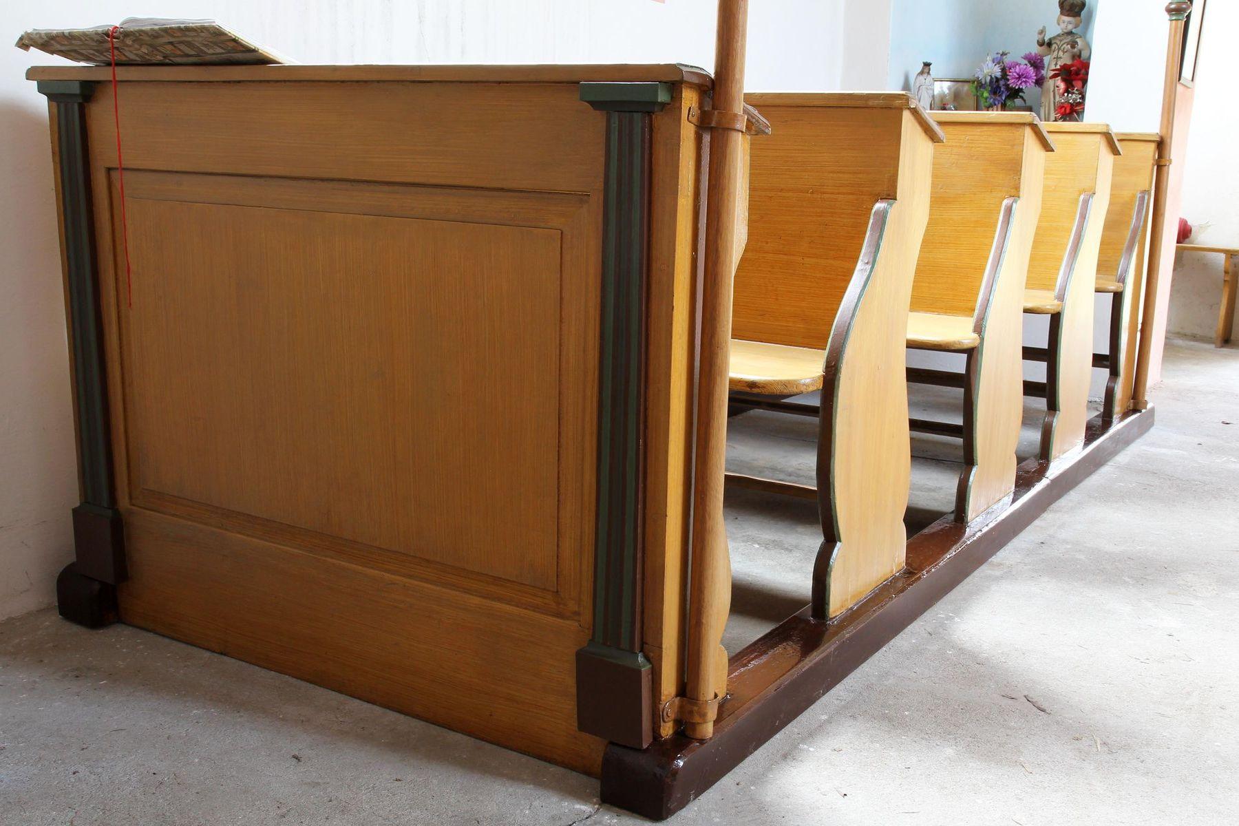 Restaurovali jsme kostelní lavice v kostele sv. Prokopa v Otvovicích - Restaurování kostelní lavice po restaurování 02
