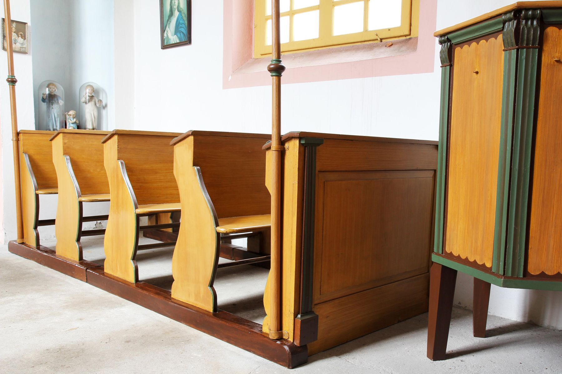Restaurovali jsme kostelní lavice v kostele sv. Prokopa v Otvovicích - Restaurování kostelní lavice po restaurování 04