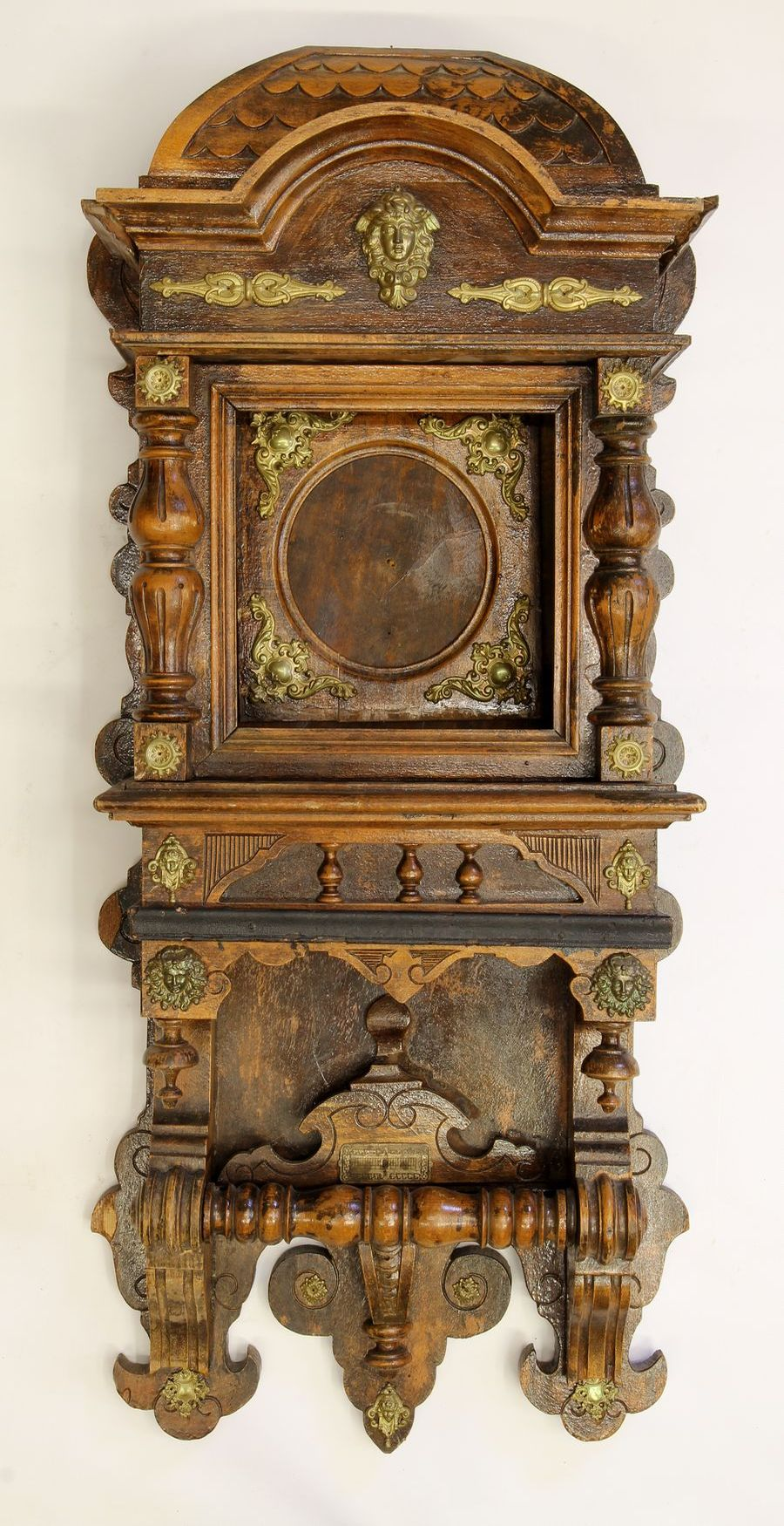 Buková hodinová skříň z 2. pol. 19. století 01