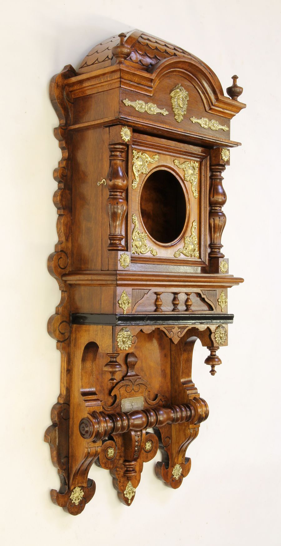 Buková hodinová skříň z 2. pol. 19. století 011