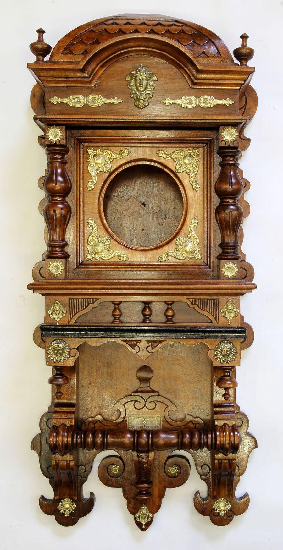 Buková hodinová skříň z 2. pol. 19. století 10